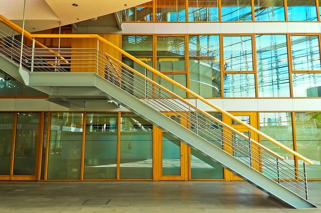 marcado ce escaleras metalicas